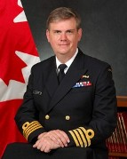 Capitaine de vaisseau Chris Dickinson